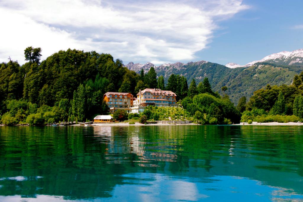 Correntoso Lake & River Hotel in Argentina